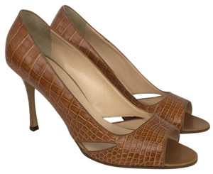 Manolo Blahnik Cognac Pumps