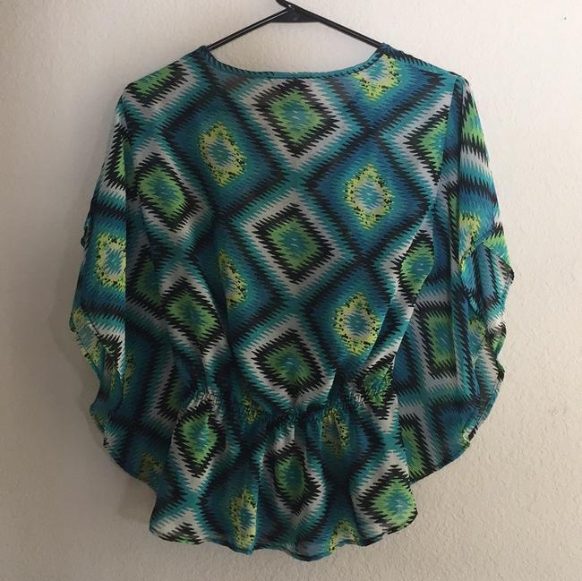 Ultra Flirt Hippy 70's Short Sleeve Multi Colored Top green, blue, white, black