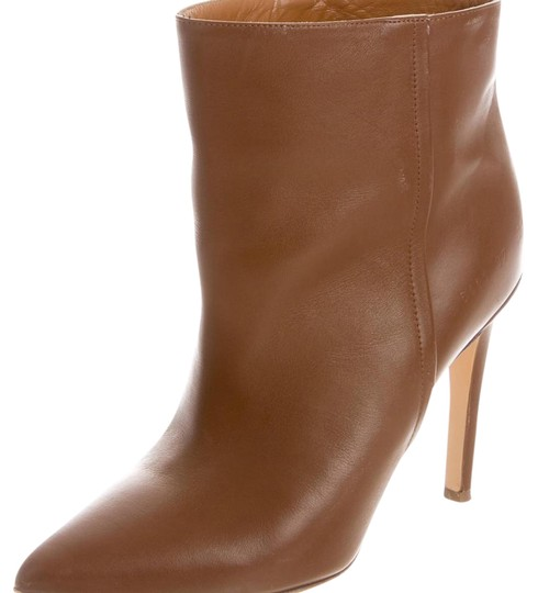 Preload https://item2.tradesy.com/images/common-projects-tan-bootsbooties-size-us-8-regular-m-b-20569891-0-1.jpg?width=440&height=440