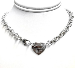 Tiffany & Co. NEW Return to Tiffany & Co. 925 Sterling Heart Necklace