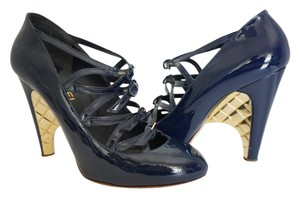 Chanel Quilted Heel Blue Size 10 Navy Blue Pumps