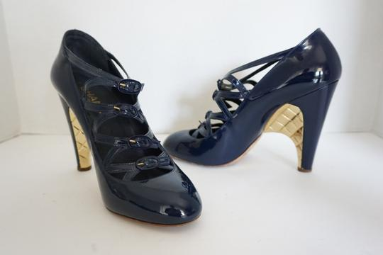 Chanel Quilted Heel Size 10 Navy Blue Pumps