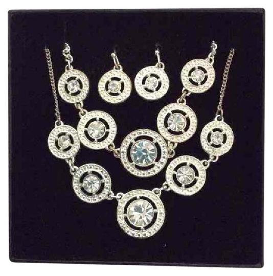 Preload https://item2.tradesy.com/images/silver-avon-rhinestone-3-peice-set-necklace-20571241-0-1.jpg?width=440&height=440