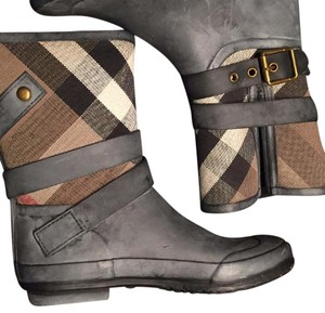 Burberry Grey Boots