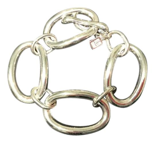 Preload https://item1.tradesy.com/images/silver-tone-pretty-large-link-chunky-toggle-bracelet-20572145-0-2.jpg?width=440&height=440