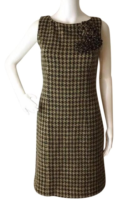 Preload https://img-static.tradesy.com/item/20572147/moschino-green-wool-houndstooth-new-with-tags-mid-length-workoffice-dress-size-6-s-0-1-650-650.jpg