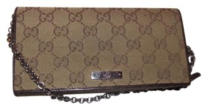 Gucci Multiple Compartment Mint Condition Wallet Or Great For Night Out Shoulder Bag
