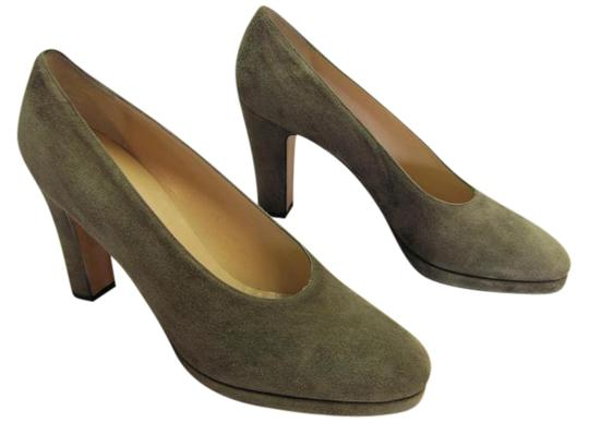 Preload https://img-static.tradesy.com/item/20572392/calvin-klein-neutral-suede-excellent-condition-pumps-size-us-75-narrow-aa-n-0-3-540-540.jpg