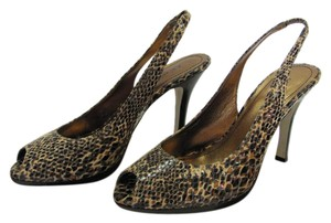 AK Anne Klein Size 7.00 M Leather Reptile Design Very Good Condition Black, Brown, Neutral Pumps