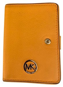 Michael Kors Authentic Michael Kors
