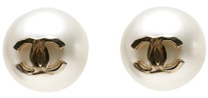 Chanel Chanel Faux Pearl CC GumBall Pearl Earrings