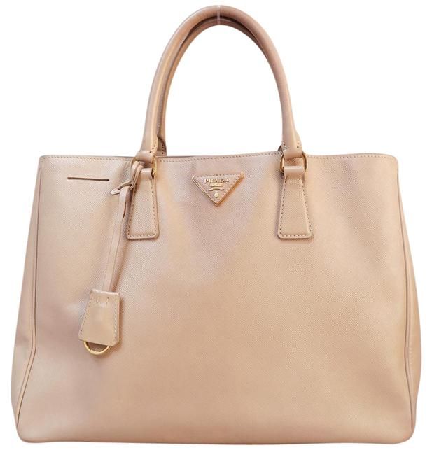 Item - Lux Large Saffiano Lightsalmon Canvas Tote