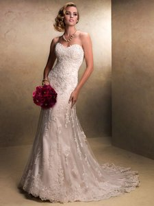 Maggie Sottero Light Gold Beaded Lace On Tulle Emma 13533 Traditional Wedding Dress Size 8 (M)