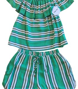 Line & Dot Top Green Stripe