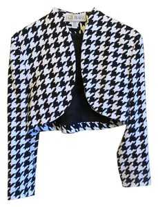 A J Bari Top Black and White patterned