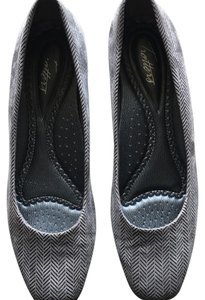 Trotters Gray Wedges