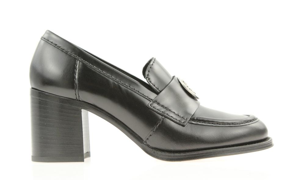 90833d187531c Chanel Black Leather Clover Medallion Loafer Pumps Size EU 38.5 (Approx. US  8.5) Regular (M, B) 67% off retail