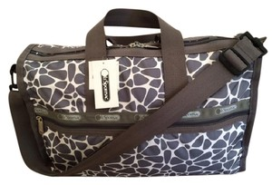 LeSportsac Neutral Weekend Fun Versatile Washable Pockets white/grey Travel Bag