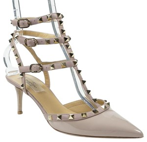Valentino Rockstud 39.5 Patent Leather Beige Nude Pumps