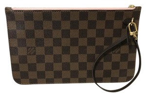 Louis Vuitton Neverfull Neverfull Gm Wristlet in Inside lining rose ballerine