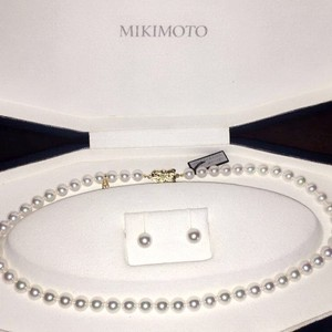 Mikimoto Mikimoto Pearl Necklace Pearl Earring Set