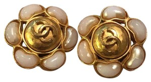Chanel Gold tone Flower faux pearls Clip on earrings