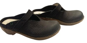 El Naturalista Leather Black Mules