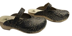 El Naturalista Leather Two-tone Black with grey accents Mules