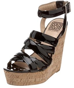 Pour La Victoire Patent Leather Black Wedges