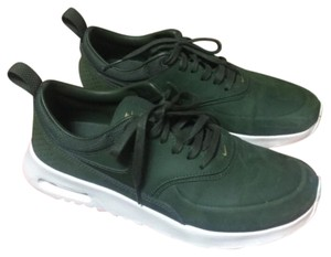 Nike Green Athletic