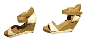 Cape Robbin WHITE/TAN Wedges
