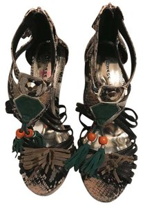Chinese Laundry mix Sandals