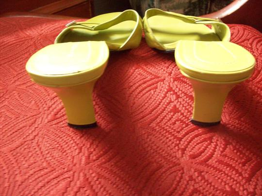 Bandolino Lime Green Sandals