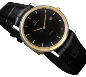Omega Omega De Ville Mens Midsize Dress Watch with Date - Solid 18K Gold and