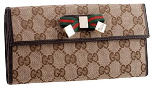 Gucci Continental Signature wallet with bow