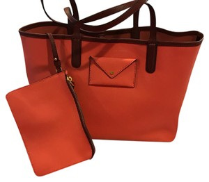 Marc Jacobs Tote in coral