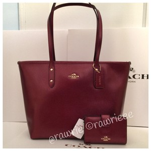 Coach Set Matching Set Handbag Wallet Set Wallet Set Gift Set Tote in Burgundy