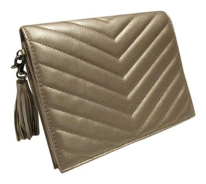 Neiman Marcus Womens Pewter Clutch