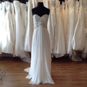 Mori Lee Ivory Chiffon Wedding Dress Size 8 (M)