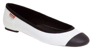 Hunter White & Black Flats