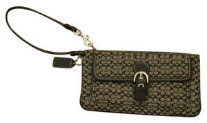 Coach Wristlet in black and gray