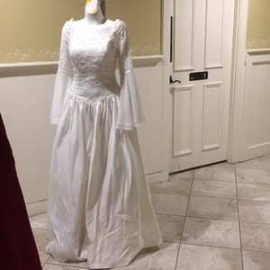 Amy Lee Hilton Bridal Longsleeved Victorian Style Gown Wedding Dress