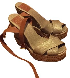 Tory Burch tan/nude Wedges