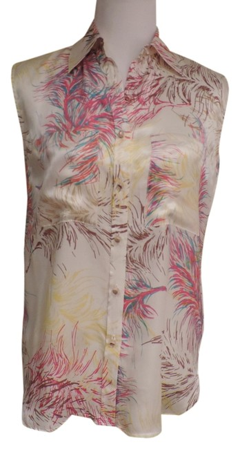 Preload https://item4.tradesy.com/images/cabi-cream-print-style-385-blouse-size-2-xs-2058668-0-0.jpg?width=400&height=650