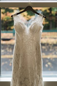 Essense Of Australia Stella York Ivory All Lace Size 2 Wedding Gown - Cathedral Train Wedding Dress