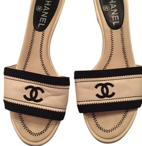 Chanel Black/White Sandals