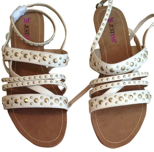 Preload https://item1.tradesy.com/images/just-fab-cream-with-gold-embellishments-flats-2058845-0-0.jpg?width=440&height=440