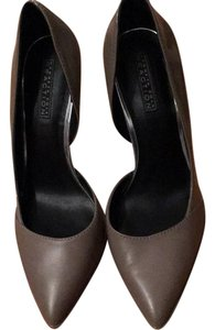 Kenneth Cole Reaction Taupe Pumps