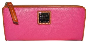 Dooney & Bourke Zip Around Lg Pebble Leather Wallet