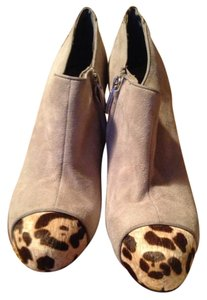 Sam Edelman Suede Suede Ankle Animal Print Grey Boots